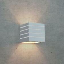 Lampada Applique moderno da parete in gesso verniciabile up&down cubo rigato110R