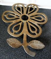 Beautiful Footed Brass Seat/Stand with Flower Style.L-24.5x19.5cm,W-320g.Superb
