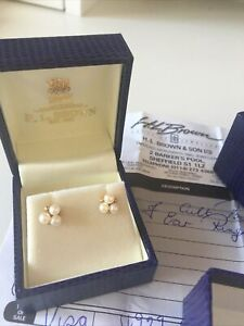 HL BROWN Cultured Pearl Cluster Earrings 9 carat gold. Gift boxed.