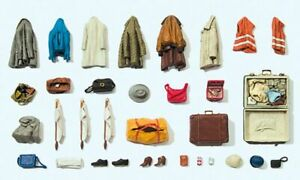 Preiser HO Scale Model Scenery Detail Set Assorted Clothing/Vests/Bags - Kit