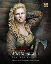 Nuts Planet 200mm Bust - Shield Maiden Model - 38857