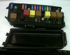 Saab 9-3 unidad de distribución eléctrica Caja de Fusible 2.2 2003 -04 12800999 12783072