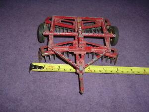 REUHL 1950's  Massey Harris Toy Tractor Disc Harrow 1/20 Scale All Original