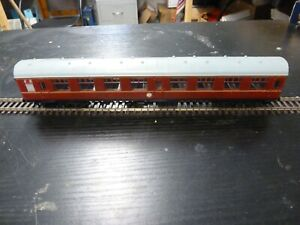 BR MAROON MK 1 CORRIDOR COMPARTMENT COACH NEM CLOSE COUPLINGS HORNBY/BACHMANN