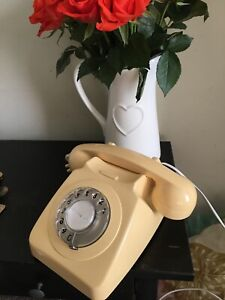 Classic Old Fashioned Telephone, Cream. Retro/vintage