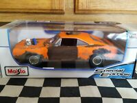 1/18 Scale Diecast Maisto Orange 1969 Dodge Charger R/T Weathered Barn Find With