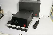 PROIETTORE diapositive Leica Pradovit ca 1500 con LEITZ Colorplan 2.5/90 mm con cappa