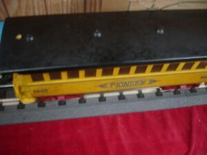 O SCALE VINTAGE TIN 3-RAIL PASS COACH HI-RAIL FLANGE Yellow & Black #1869