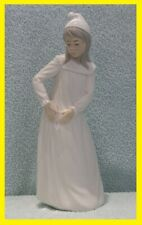 Nao / Lladro - Girl in Nightdress ( Torn Nightgown ) - Brillo - Porcelain Spain