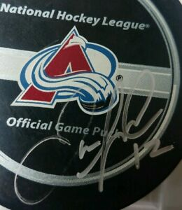 Jarome Iginla SIGNED OFFICIAL GAME PUCK   NHL HOLO STICKER COA ONLY! BETTMAN