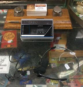 Vinatge 1980's Sanyo Walkman Cassette Player