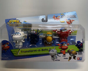 Super Wings Transform-a-Bots Flip, Todd, Agent Chase, Astra 4 Pack