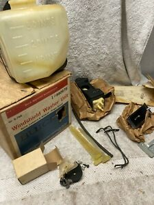 1965 66 Buick LaSabre Wildcat NOS Windshield washer COMPLETE 980978
