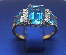 10K YELLOW GOLD BLUE TOPAZ AND DIAMONDS RING