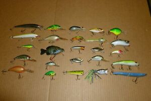 LOT #2 OF 25 VARIOUS REBEL CORDELL STORM HEDDON ARBOGAST & UNKNOWN FISHING LURES