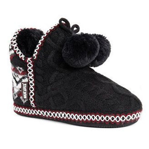 MUK LUKS Womens Amira Black Faux Fur Pom Pom Slipper Boots Bootie Medium 7-8