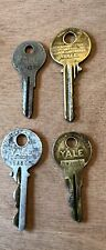 Vintage Lot Of Yale Keys