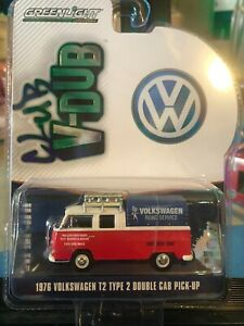 1/64 GREENLIGHT CLUB V-DUB 1976 VOLKSWAGEN T2 TYPE 2 DOUBLE CAB PICKUP RED WHITE
