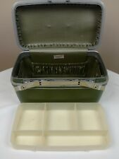 Vintage Samsonite Silhouette make-up case carry-on luggage green. No key