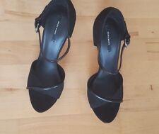 Zara Negro Imitación Gamuza y Correa en el Tobillo Peep Toe Sandalias/zapatos Taco Alto Talla 7 UK