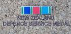 NEW ZEALAND DEFENCE SERVICE MEDAL RIBBON BAR 5MMX19MM ENAMEL & NICKEL PLATED