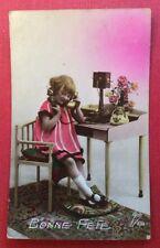 CPSM. 1923. Petite Fille en train de téléphoner. Téléphone. Art Déco.