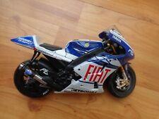 Maisto 1/10 Yamaha YZR-M1 - Jorge Lorenzo #99 Moto Gp 2009 Moto de Metal