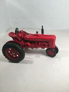 Case IH Agriculture Farmall H 1/16 Scale Die-Cast Metal Tractor Ertl