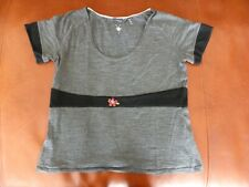 Ibex Woman Gray Short Sleeved Top With Embroided Flowers Large