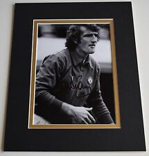 Alex Stepney Signed Autograph 10x8 photo display Manchester United AFTAL COA