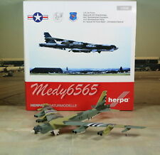 "Herpa Wings US Air Force ""Someplace"" Boeing B-52 1/200"