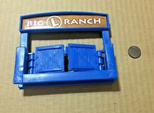 Lincoln Logs BLUE BIG L RANCH SIGN GATE Replacement Piece Playskool Hasbro Part