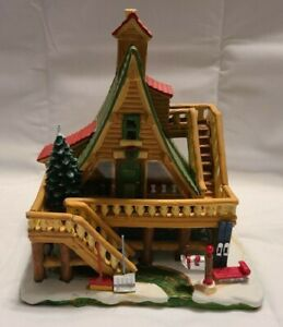 Lemax Woodland Retreat Vail Village Light Up Christmas Holiday Display 95847
