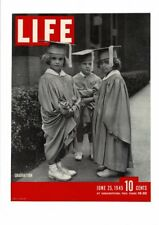 VINTAGE 1945 LIFE MAGAZINE COVER CHILDREN GRADUATION GOWNS PRINT AD