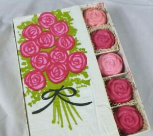 NOS Vtg 60s Delagar Guest Soap & Paper Fingertip Towels Gift Set MOD Roses
