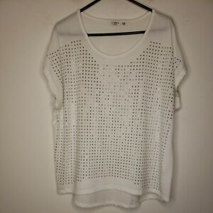 Cato Women's Blouse Top Size 18W 20W Plus Size White Silver Tone Embellishment