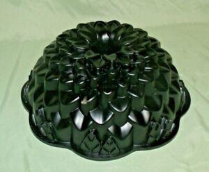 Nordic Ware Chrysanthemum Bundt Pan Cake Mold 10 Cup