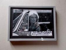 """Autographe de Brigitte Bardot   .... """" En Voiture ......... """" ."""