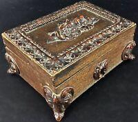 Ancienne petite boîte à bijoux en bois sculpté décors floraux