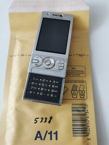 Sony Ericsson Walkman W705 - Luxury silver (Unlocked) Mobile Phone