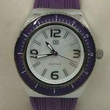 Reloj TOMMY HILFIGER para mujer. Correa púrpura, 36 mm.