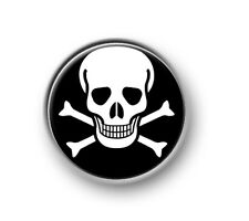 "SKULL AND CROSSBONES / 1"" / 25mm pin button / badge / funny / novelty / warning"