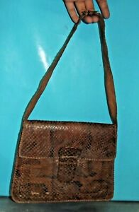 Ancien Sac en Peau 1930 photos regardez bien les écailles du cuir à restaurer