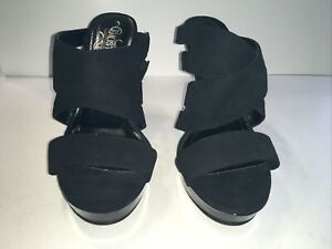 """Kenneth cole Unlisted High Heel Shoes """"Real journey""""....size 6 Medium, Preowned"""