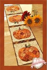 PATCHWORK PUMPKIN TABLE RUNNER Shabby Fabrics Table PATTERNSEWING PA Quilting