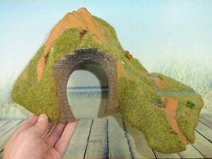Tunnel H0 eingleisig mit Berg und Fluss