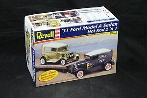 Revell 31 FORD MODEL A SEDAN Hot Rod 1:25 Scale Vintage Model Kit Open Box NICE