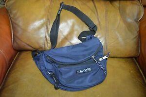 Vintage 90's Eastsport Outdoor Co. Fanny Pack Waste Bag Belt 3 Pocket Bllue