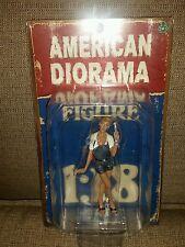 1:18 SCALE AMERICAN DIORAMA FIGURE Lady Mechanic Sofie 40 50s