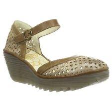 Sandali e scarpe plateau, zeppe FLY London per il mare da donna
